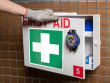 1: Inspektionstimer am Erste Hilfe Kasten