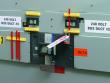1: Schutzschalter-Verriegelung (480-600 V)