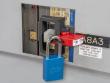 2: Sicherung eines LS-Schalters mit übergroßem Griff (S3823)